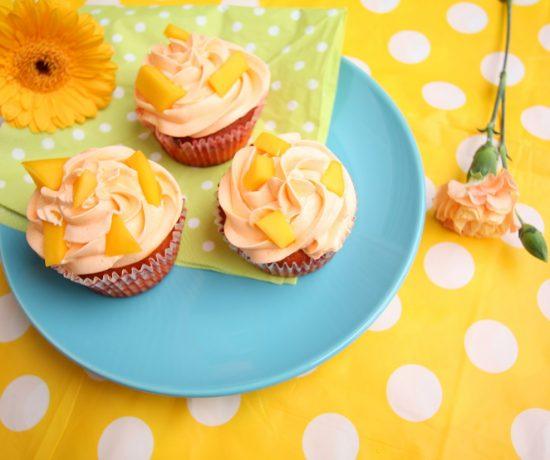 Mango cupcakes recept