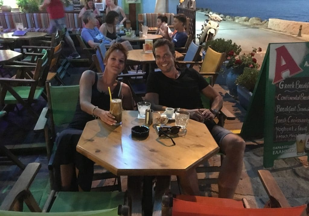 sammie & Tommy Lesbos Kantina
